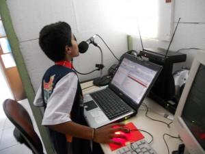Crianças em atividades de comunicação