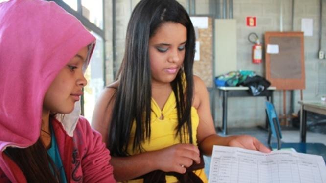No projeto Âncora, em Cotia, a proposta pedagógica encoraja autonomia na aprendizagem