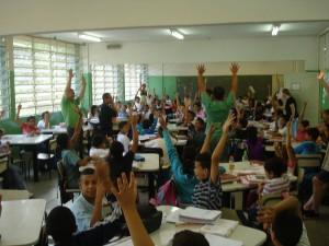 Estudantes em um dos salões da EMEF Campos Salles