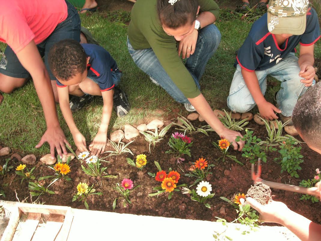 Escola Municipal Professor Paulo Freire (BH) garante diálogo com comunidade local e parceiros