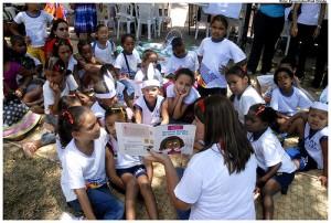Estudantes em atividade na Praça do Carmo. Foto: Prefeitura de Olinda/ Flickr