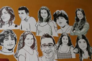 Mural com imagem dos formandos do 9º ano em 2013. Foto: Centro de Referências