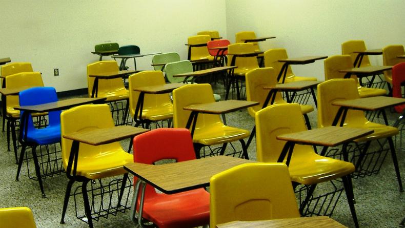 sala de aula_caderia_vazio_evmaiden_hl