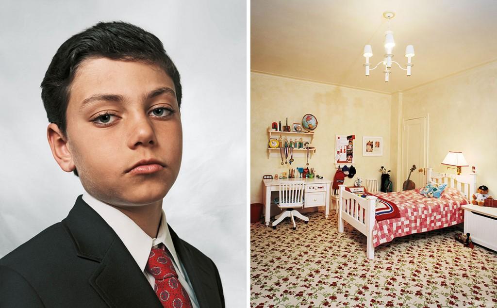 """Jamie, 9 anos """"Mora com seus pais, irmão gêmeo e sua irmã em um apartamento na Quinta Avenida em Nova Iorque. Jamie frequenta uma escola de prestígio e é um bom aluno. Em seu tempo livre, ele faz aulas de judô e natação. Quando crescer, quer se tornar um advogado como seu pai."""" Créditos: James Mollison"""