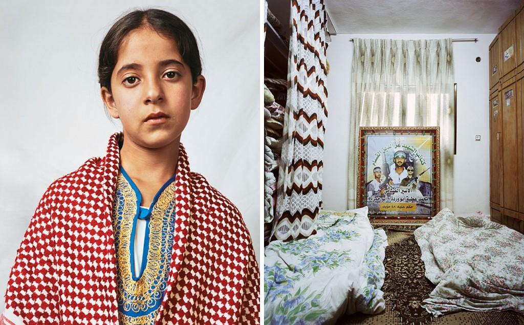 """Douha, 10 anos """"Mora com os pais e onze irmãos em um campo de refugiados palestinos em Hebron, na Cisjordânia. Ela divide um quarto com outras cinco irmãs. Douha frequenta uma escola, a 10 minutos a pé, e quer ser pediatra. Seu irmão, Mohammed, matou 23 civis em um ataque suicida contra os israelenses em 1996. Posteriormente, os militares israelenses destruíram a casa da família. Douha tem um cartaz de Maomé em sua parede."""" Foto: James Mollison"""