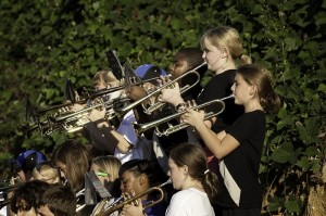 Crianças e adolescentes em uma das bandas escolares. Foto: Reprodução
