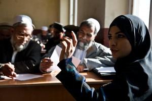 Grupos de discussão local reúnem equipes, homens e mulheres. Foto: Reprodução