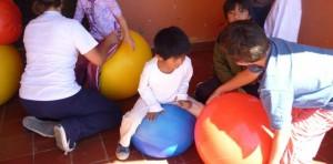 Projeto Caminho Escolar incentiva crianças a irem sozinhas a escola