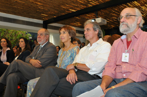 Da esquerda para direita: Jorge Guimarães, Viviane Senna, Mozart Ramos e Roberto Lent.
