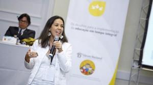 Natacha Costa, em oficina do 15º Fórum da Undime / Créditos: divulgação