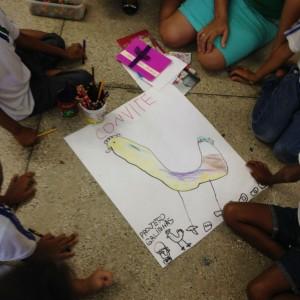 Crianças elaboraram o convite para o seminário sobre galinhas