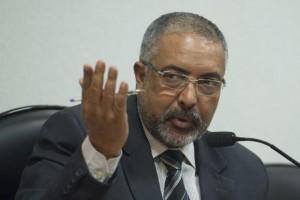 Senador Paulo Paim escreveu o relatório sobre o programa Mais Educação