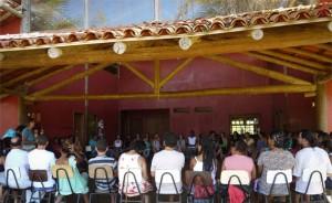 Assembleia geral acontece na Escola Rural Dendê da Serra. Crédito: Facebook/Escola Rural Dendê da Serra