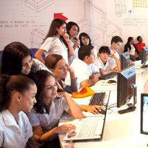 Estudantes de todos as idades e cursos tem espaço na grade para desenvolverem projetos próprios