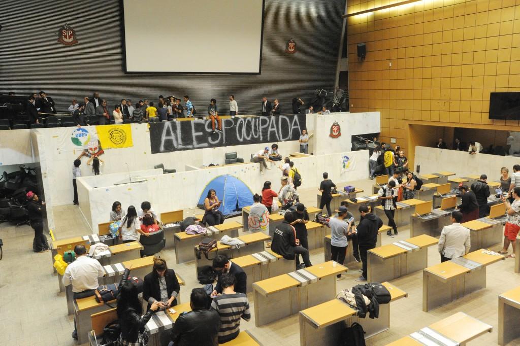 Secundaristas ocupam Assembleia legislativa de São Paulo. Crédito: Alesp.