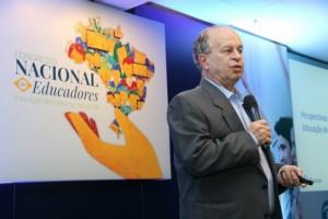 Renato Janine fez duras críticas ao projeto Escola sem Partido em redes sociais