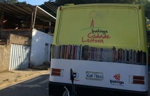 Ipatinga leva biblioteca sobre rodas para estimular leitura em escolas e praças