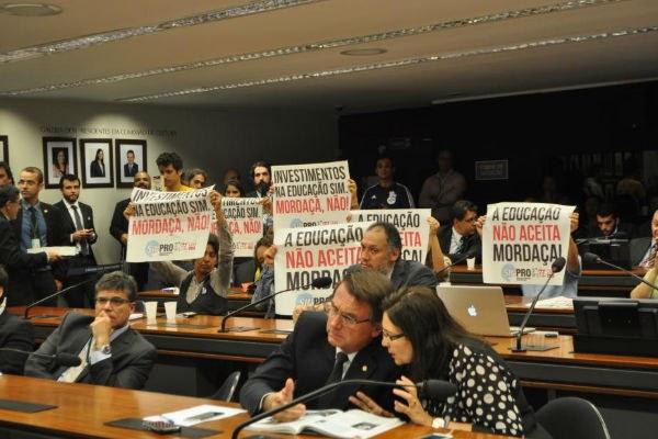 Manifestação contra o Escola sem Partido. Crédito: Maíra Marthias/EPSJV/Fiocruz/ in Carta Capital