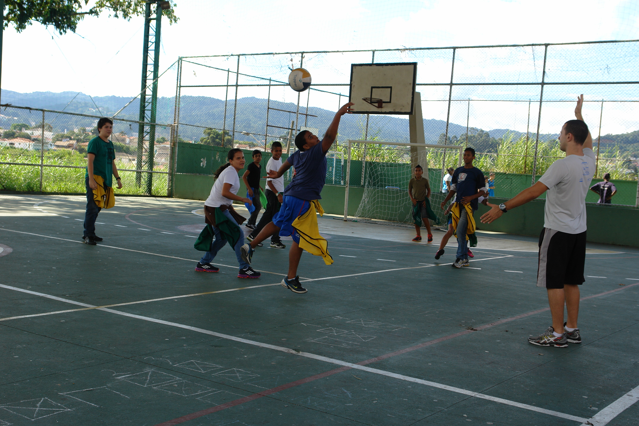 Os jogos podem uma importante ferramente que deve ser utilizado na educação  física. Foto  45246ad275280