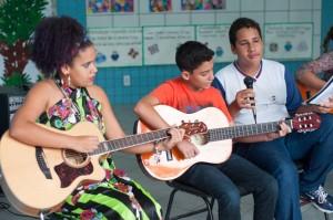 Levantamento criou redes que proporcionaram aprendizado de música para estudantes.