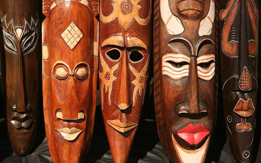 máscaras africanas podem ser utilizadas para etnomatemática ou afroetnomatemática
