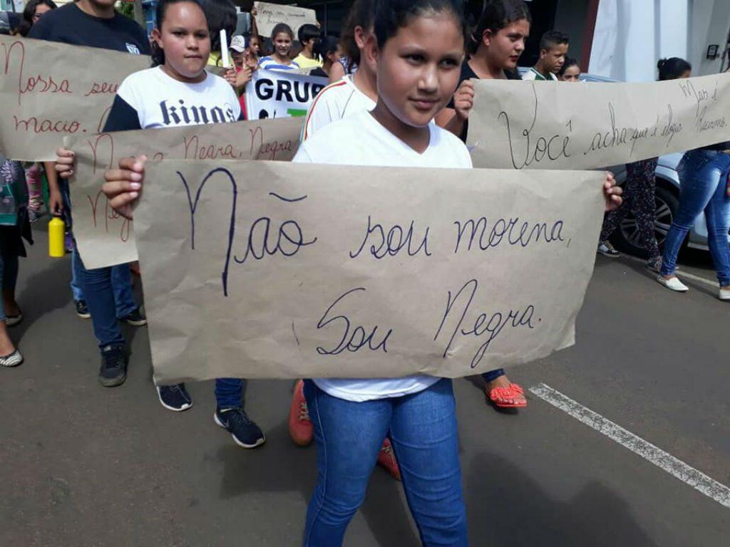 O colégio quilombola Maria Joana Ferreira leva para as ruas o combate ao racismo educação quilombola