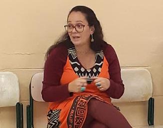 Sandra apresenta a escola durante a Conama Paulista.