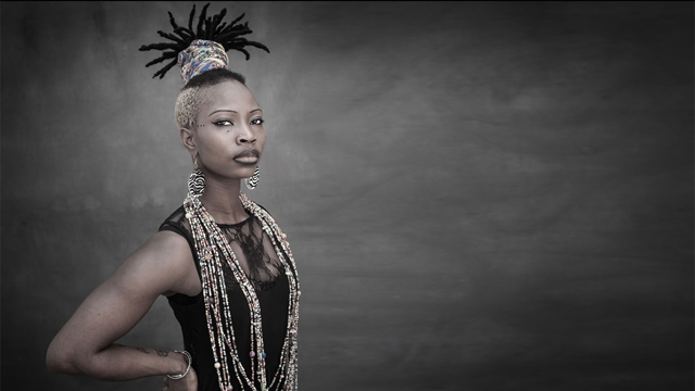 A artista Dobet Gnahoré