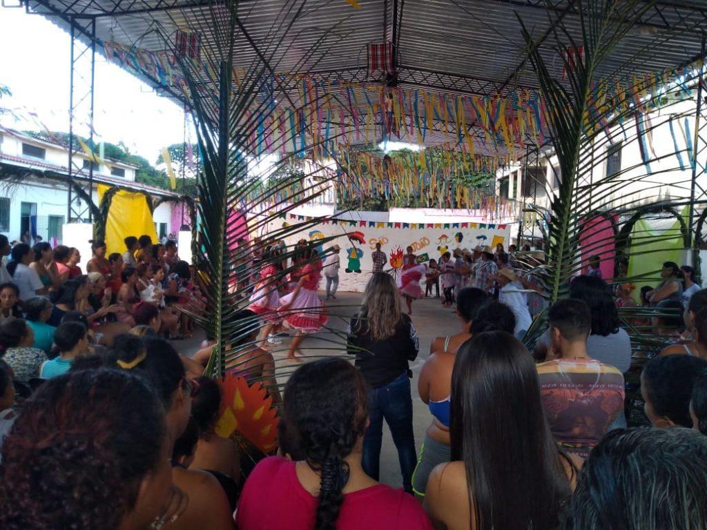 Educação prisional: Festa comemorativa na escola Olga Benário Prestes, que fica em uma unidade prisional de Pernambuco